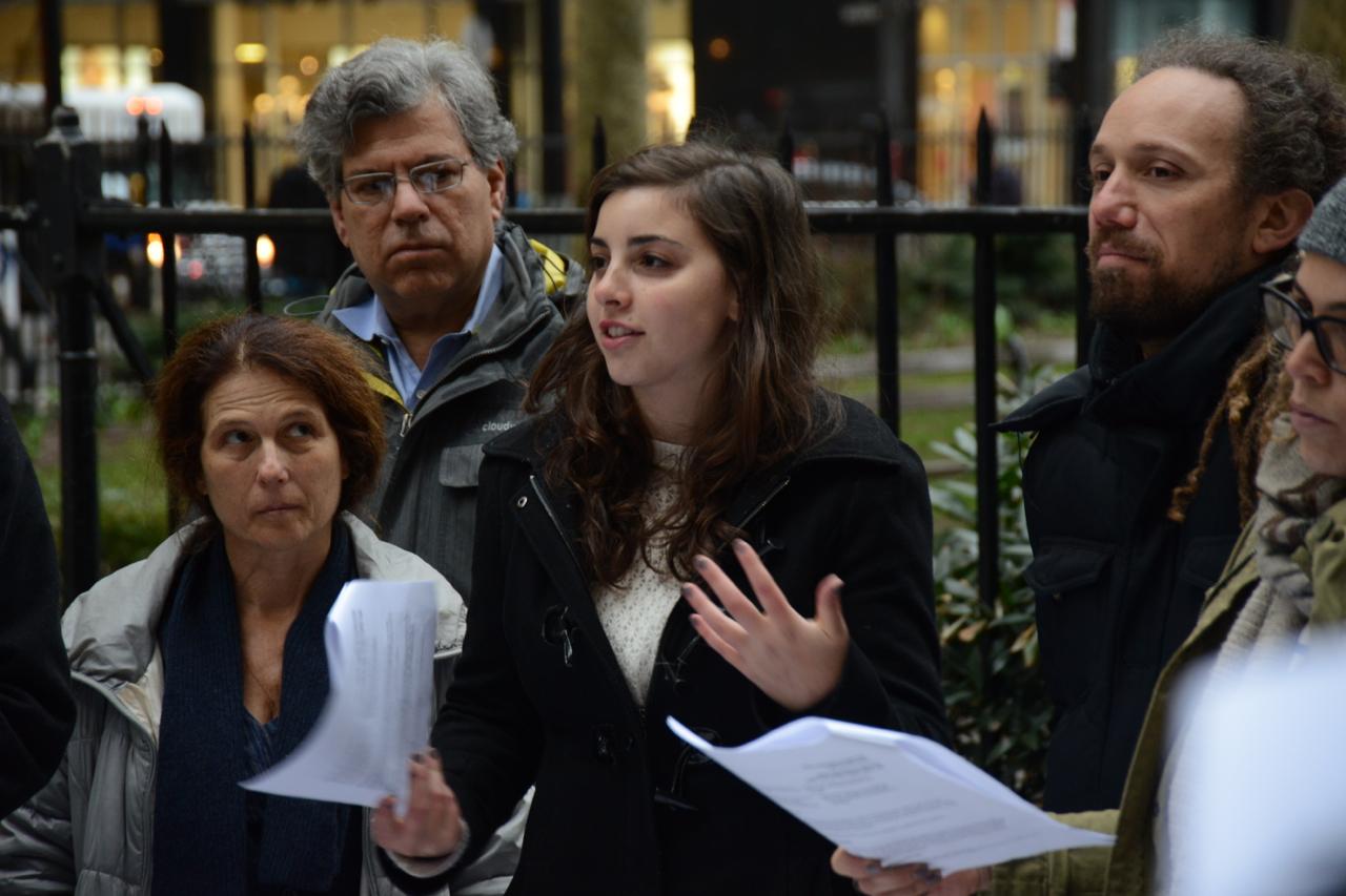 Bernie Sanders Hires, Suspends Simone Zimmerman as Jewish Outreach Coordinator